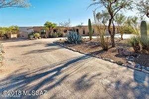 2460 N Calle de Maurer, Tucson, AZ 85749