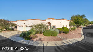 1,535sf, 2BR, 2½BA+den patio home on premium corner lot