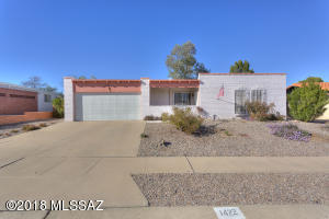 2 Bedrm, 2 Bath, Great rm, Utility room, workshop in the two car garage, mt. views from the front and a large backyard