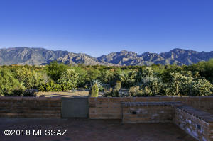 13774 N Lobelia Way, Oro Valley, AZ 85755