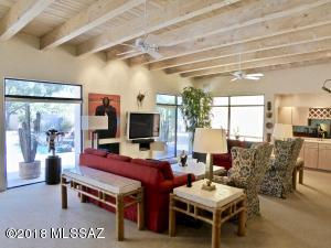 6320 N Vía Acacia, Tucson, AZ 85718