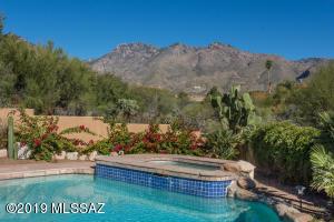 5726 N Paseo Otono, Tucson, AZ 85750
