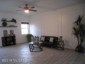 5554 W Painted Cliff Drive, Marana, AZ 85658