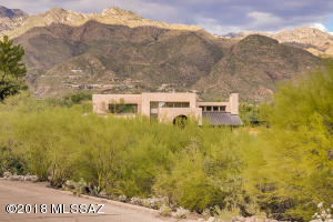 Your new home nestled in the Catalina Mountains.