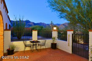 5171 N Stonehouse Place, Tucson, AZ 85750