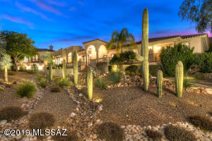 5090 N Marlin Canyon Place, Tucson, AZ 85750