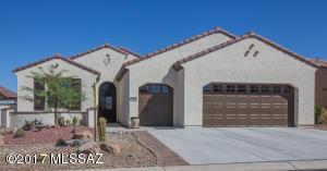 548 N Easter Lily Lane, Green Valley, AZ 85614