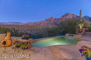 10280 N Cliff Dweller Place, Oro Valley, AZ 85737