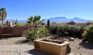 1071 W Calle Artistica, Green Valley, AZ 85614