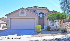 Welcome to 13252 E Mesquite Flat Springs in Rancho Del Lago.