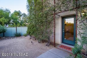 201 S Avenida Del Palo Fierro, Tucson, AZ 85745