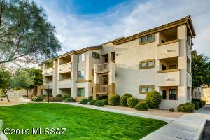 2550 E River Road, 20201, Tucson, AZ 85718