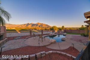 10164 N Eight Iron Lane, Tucson, AZ 85737