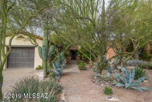 6261 N Calle De Adelita, Tucson, AZ 85718