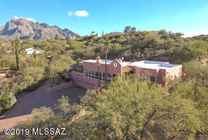 835 W Valle Del Oro Road, Oro Valley, AZ 85737