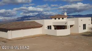 27 Kp Ranch Road, Tubac, AZ 85640