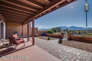 1525 W Placita Helada, Green Valley, AZ 85622
