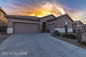 3451 W Tailfeather Drive, Marana, AZ 85658