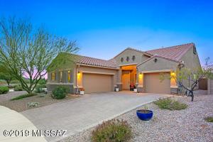 9601 N Hebden Way, Marana, AZ 85653