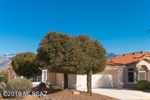 14038 N Trade Winds Way, Oro Valley, AZ 85755