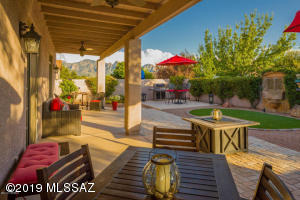 241 W Carlynn Cliff Place, Oro Valley, AZ 85755