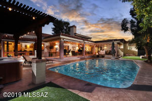 7961 N Tuscany Drive, Tucson, AZ 85742
