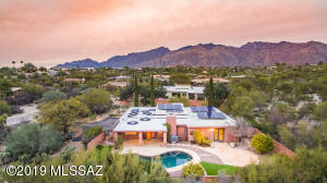 N/S Orientation, paid for solar panels on roof, solar heated pebble tec pool.