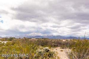 12730 S High Noon Trail, Vail, AZ 85641