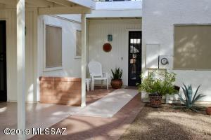 230 N Calle Acuarela, Green Valley, AZ 85614