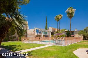 1600 N Wilmot Street, 327, Tucson, AZ 85715