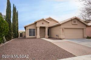 9066 N Safflower Lane, Marana, AZ 85743