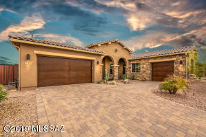13498 N Silver Cassia Place, Oro Valley, AZ 85755