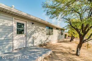 419 E Seneca Street, Tucson, AZ 85705