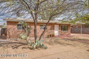 2202 N Richey Boulevard, Tucson, AZ 85716