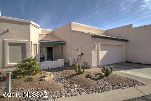 574 W Camino Del Bondadoso, Green Valley, AZ 85614