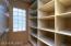 Master linen/storage