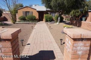 2433 E Helen Street, Tucson, AZ 85719
