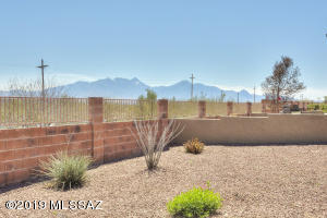 772 N Cedar Bend Avenue, Green Valley, AZ 85614