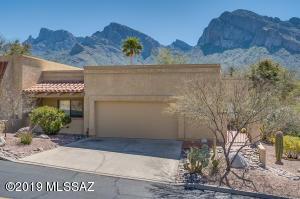 764 E Camino Diestro, Oro Valley, AZ 85704