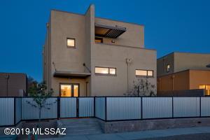 638 S Mordasini Place, Tucson, AZ 85701