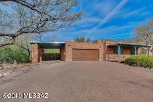 6865 N Columbus Boulevard, Tucson, AZ 85718