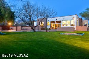 5961 N Camino Padre Isidoro, Tucson, AZ 85718