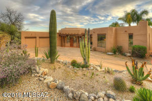 5630 E Shadow Ridge Drive, Tucson, AZ 85750