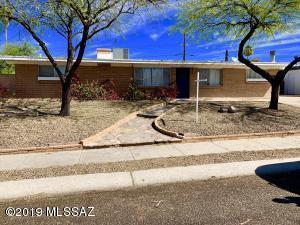 3232 W Calle Fresa, Tucson, AZ 85741