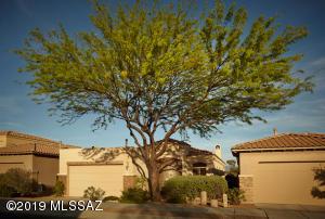 5974 N Campo Abierto, Tucson, AZ 85718