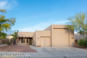9230 N Moon View Place, Tucson, AZ 85742
