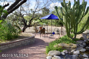 6425 E Red Cloud Drive, Tucson, AZ 85750