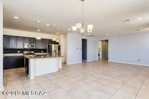 319 E Desert Haven Place, Vail, AZ 85641