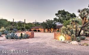 2815 E Camino La Brinca, Tucson, AZ 85718