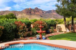 6961 N Solaz Segundo, Tucson, AZ 85718